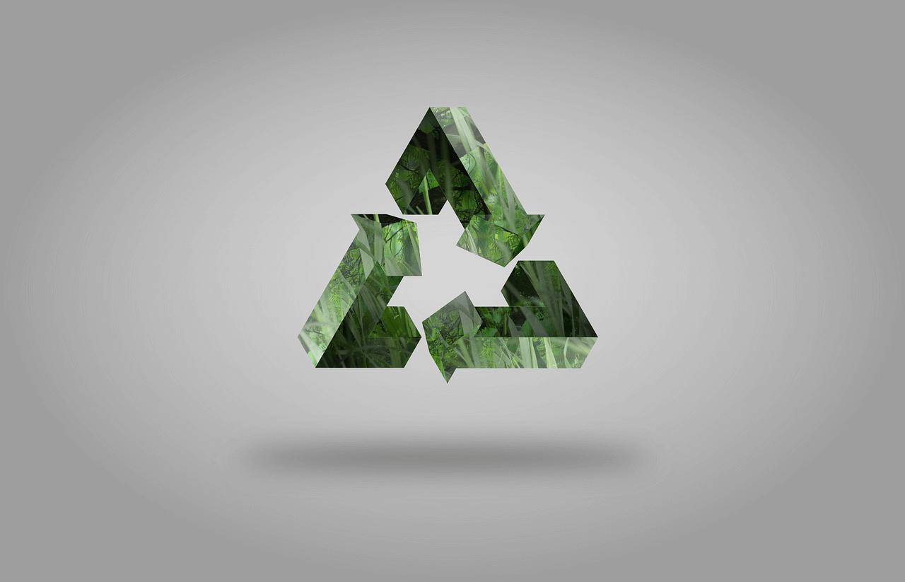 das Bild symbolisiert das System Nachhaltigkeit durch drei Pfeile die sich gegenseitig zu einem Kreislauf ergänzen